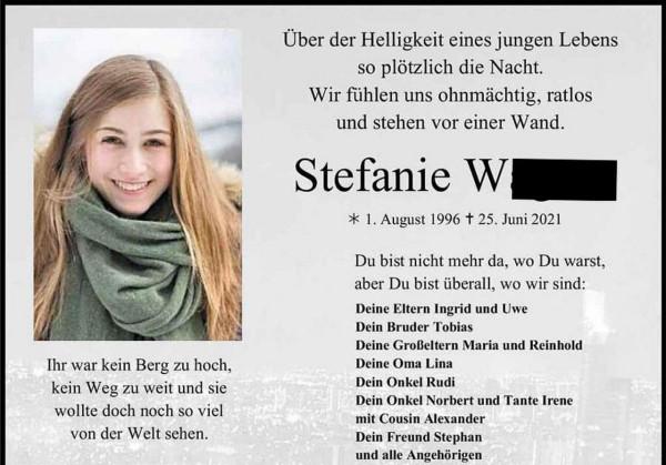 Eltemették Steffit, a késes szomáliai 24 éves áldozatát
