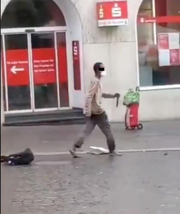 Hatalmas késsel támadt Würzburg belvárosában a fekete férfi