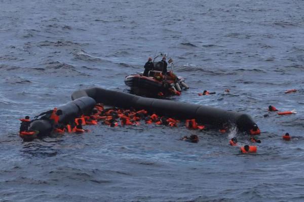 Az embercsempészeknek semmi sem drága - újabb 57 migránst fullasztottak bele a Földközi-tengerbe