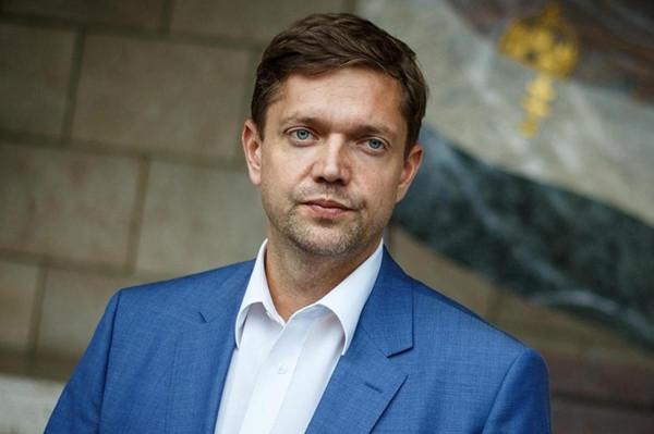 Az MSZP-s Tóth Bertalan bizonyítékokat hozott nyilvánosságra, hogy a székesfehérvári DK-s jelölt hazudik az offshore ügyében
