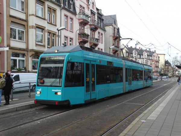 Tarlós 73 darab vadonatúj CAF villamost hozott Budapestre, Karácsony 30-35 darab 25-30 éves használtat vesz