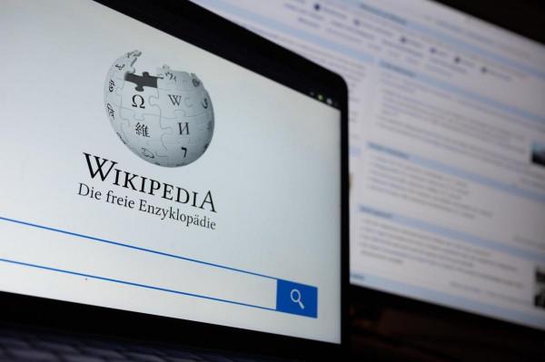 """Rasszistának tartják a Wikipédiát, mert """"túl sok fehér férfi írja"""""""