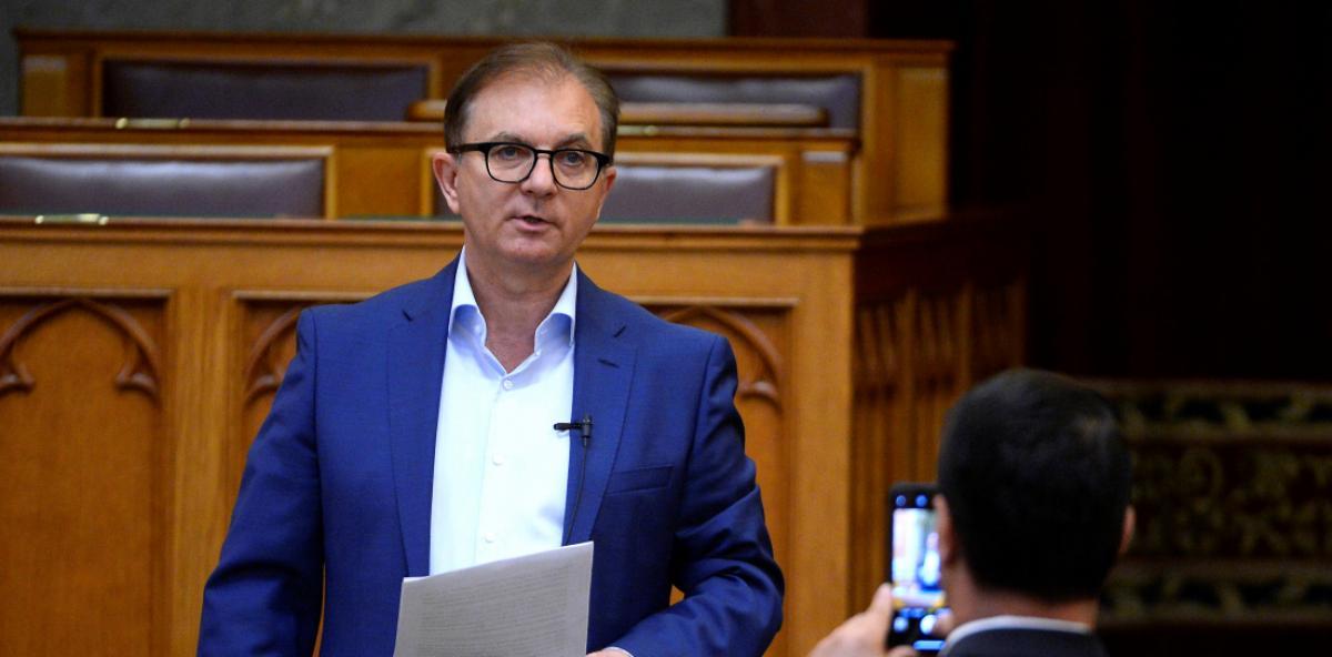 Az MSZP-s Tóth Csaba szerint az előválasztás rengeteg feszültséget okoz a hat ellenzéki párt között minden körzetben