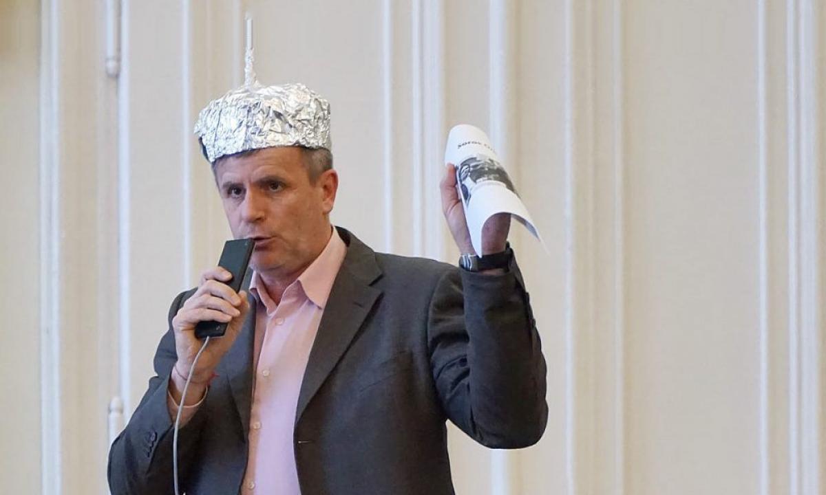 Az alufóliasisakos DK-s lesz a debreceni ellenzéki jelölt